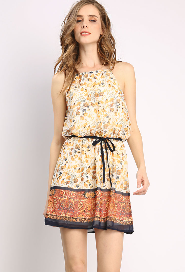 Dresses We have a beautiful selection of dresses here at Wallis, choose from a range of essential shift dresses and classic fit & flare dresses to elegant lace dresses and beautiful occasion dresses.