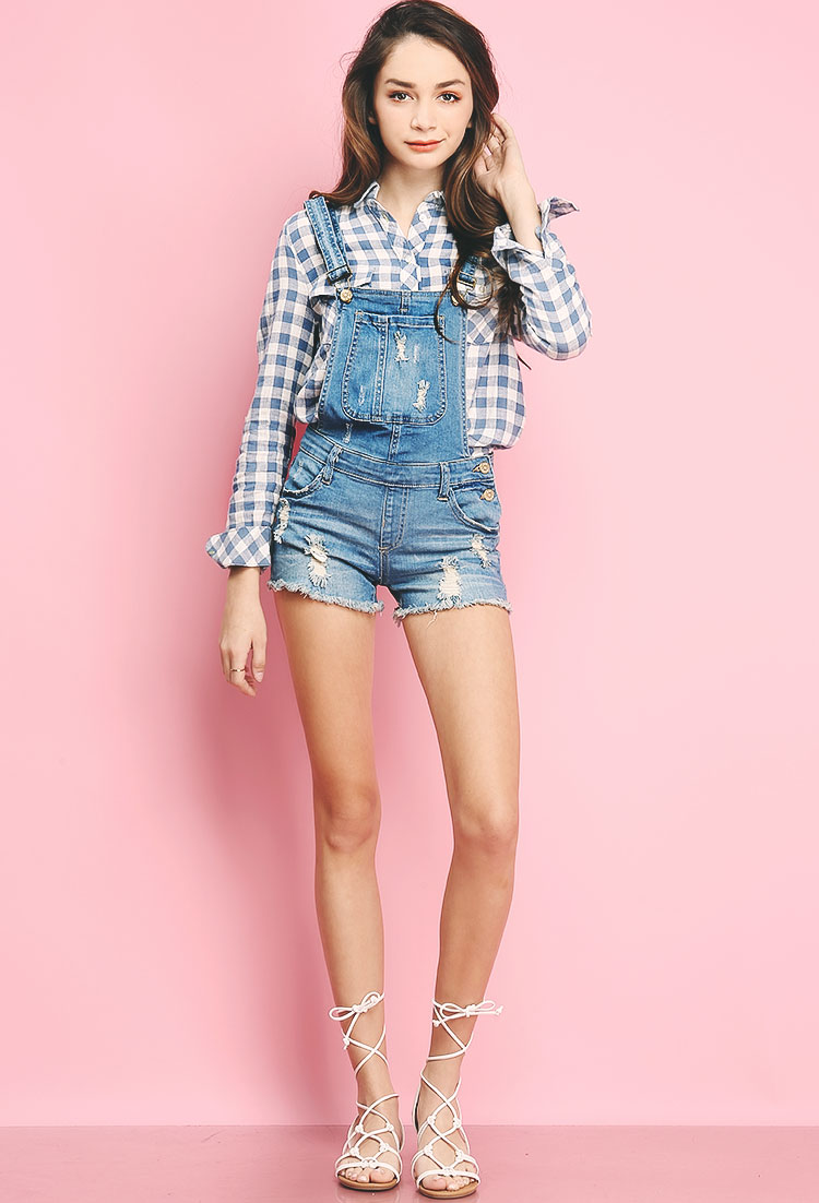 Denim overalls are fun and casual to wear. It makes them easy to style with a basic tee or sweater underneath! If you feel like jazzing it up though, a culotte jumpsuit layered .