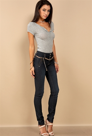 That said, knowing how to put together the perfect high-waisted jeans outfit is obviously essential. You want to pair them with pieces that are the right proportions so as to show off the flattering high waist and look as forward as possible (e.g., go for a slightly cropped top or one that you can tuck in).