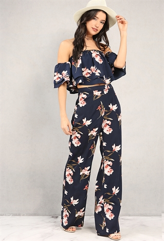 Shop for black palazzo dress pants online at Target. Free shipping on purchases over $35 and save 5% every day with your Target REDcard.