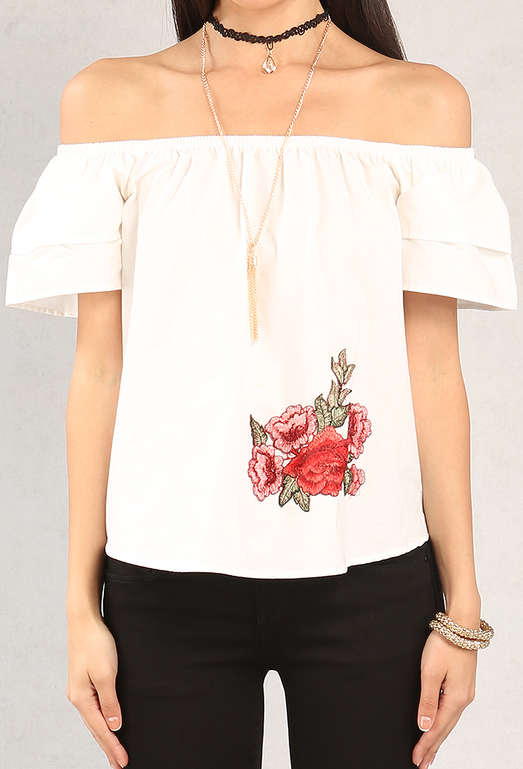 5aecb0fc36 Off-The-Shoulder Floral Applique Top W  Necklace