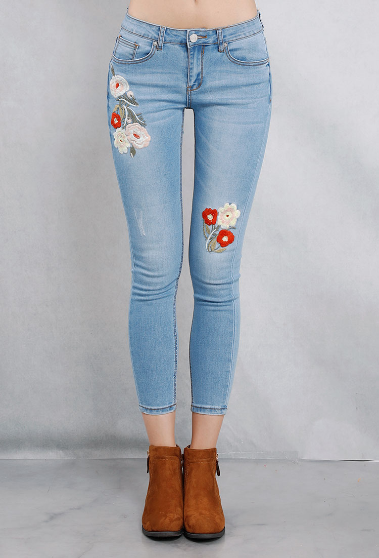 Cropped Floral Embroidered Skinny Jeans