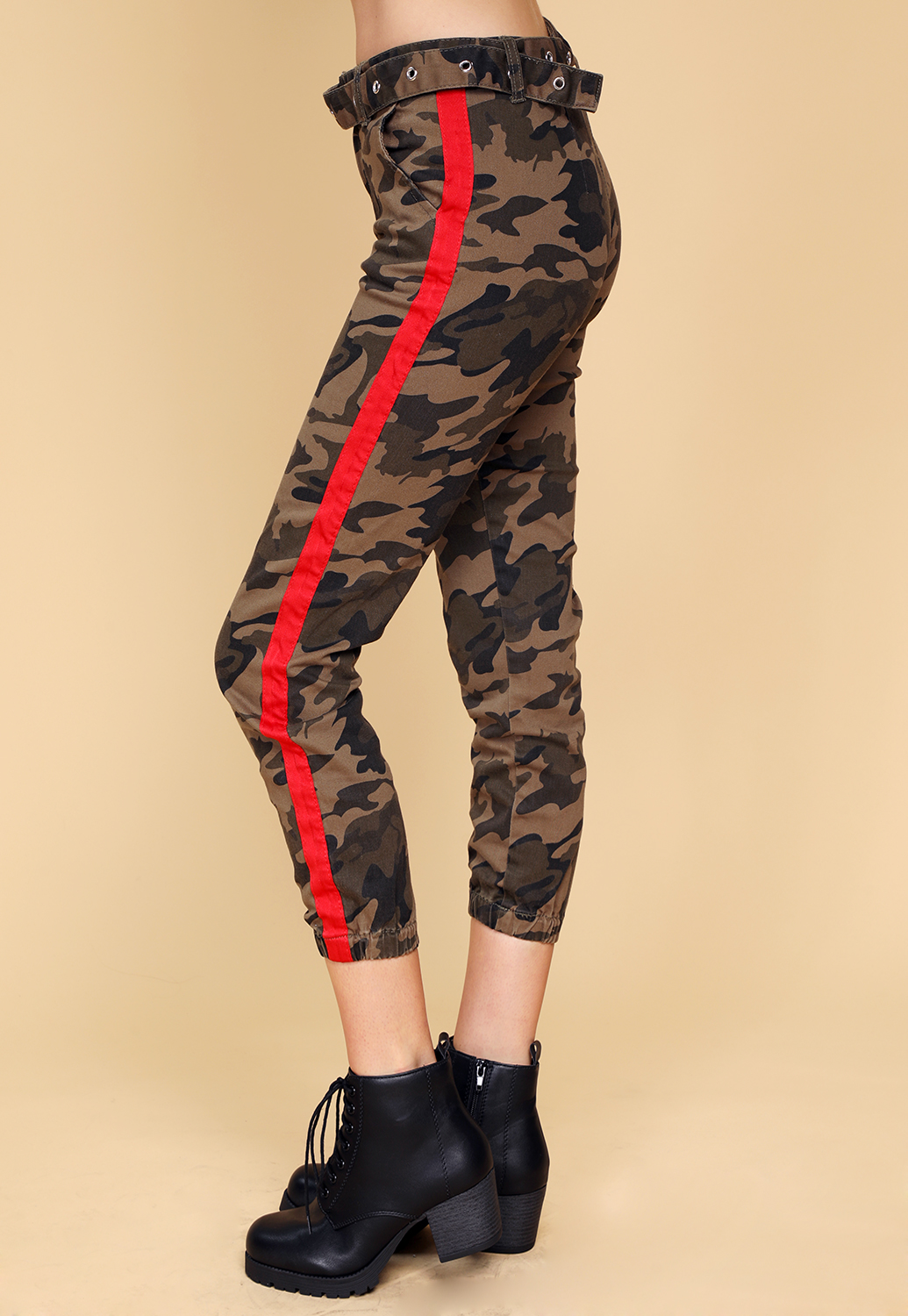 Camo Side Lined Pants With Belt