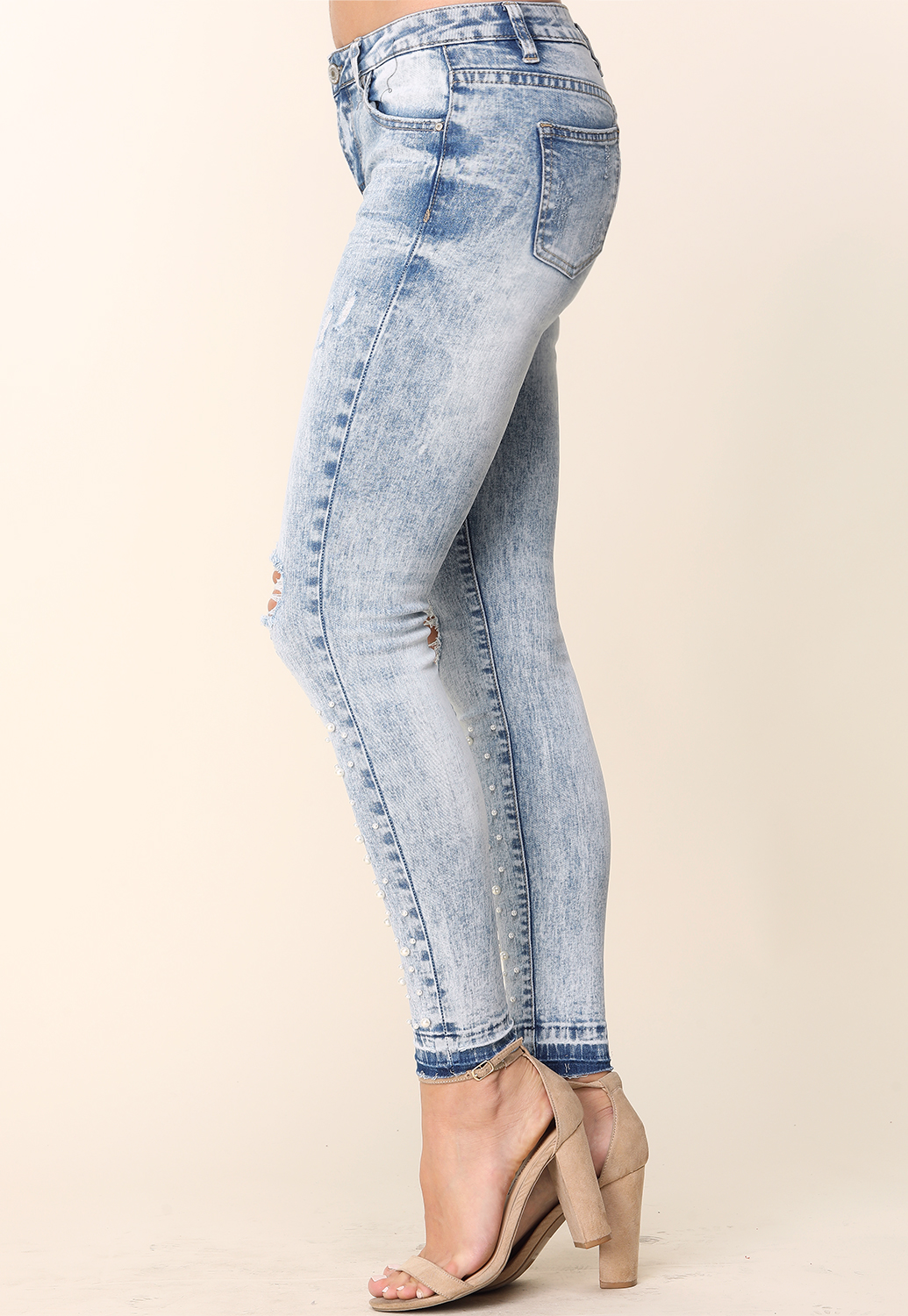 Faux Pearl Embellished Distressed Skinnyjeans