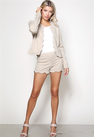 Scallop Hem Short Pants