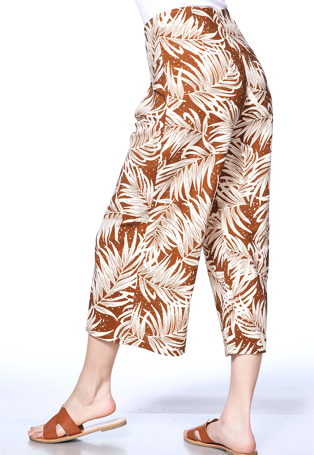 Leaf Print Crop Pants