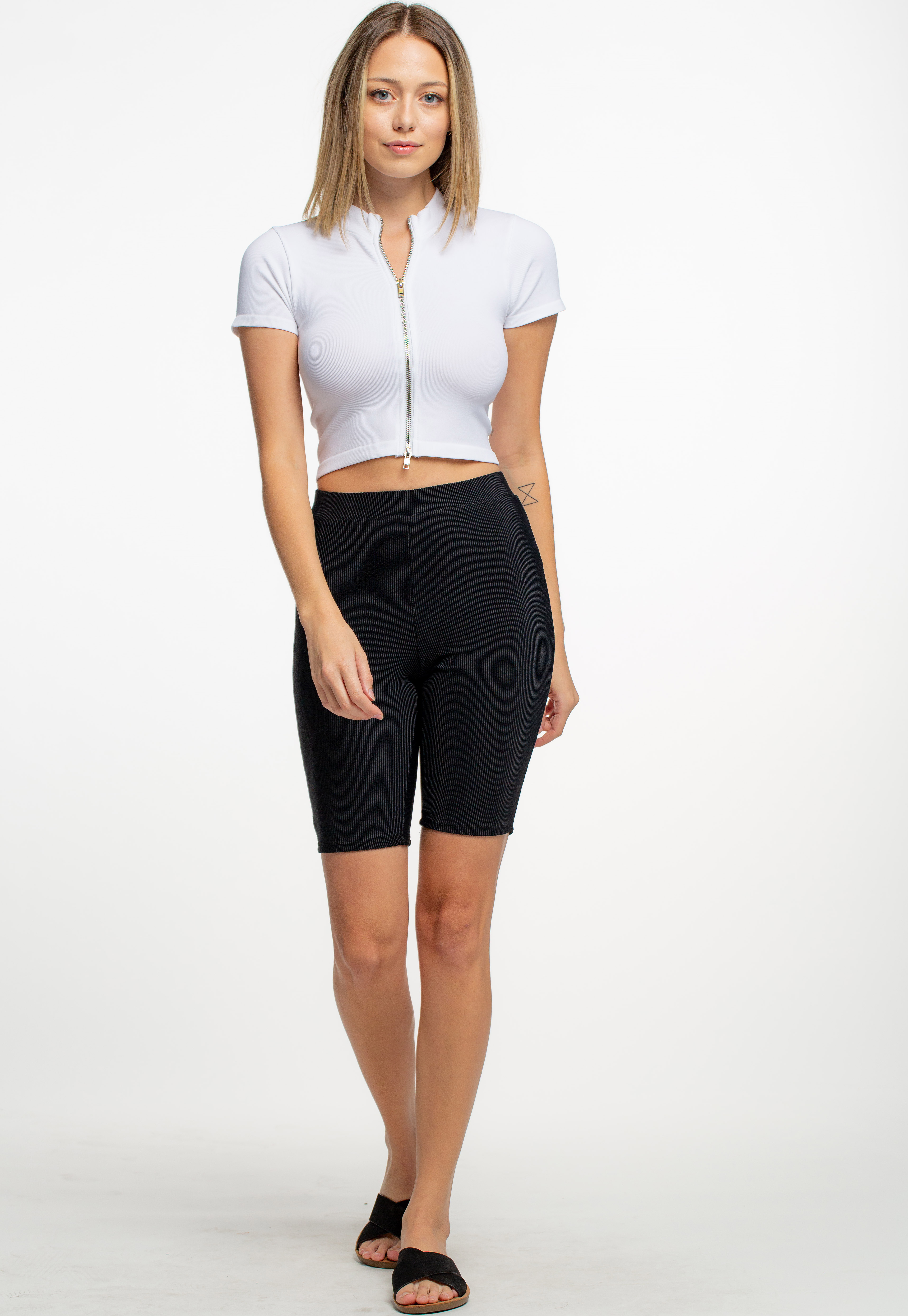 Basic Zip-Up Crop Top