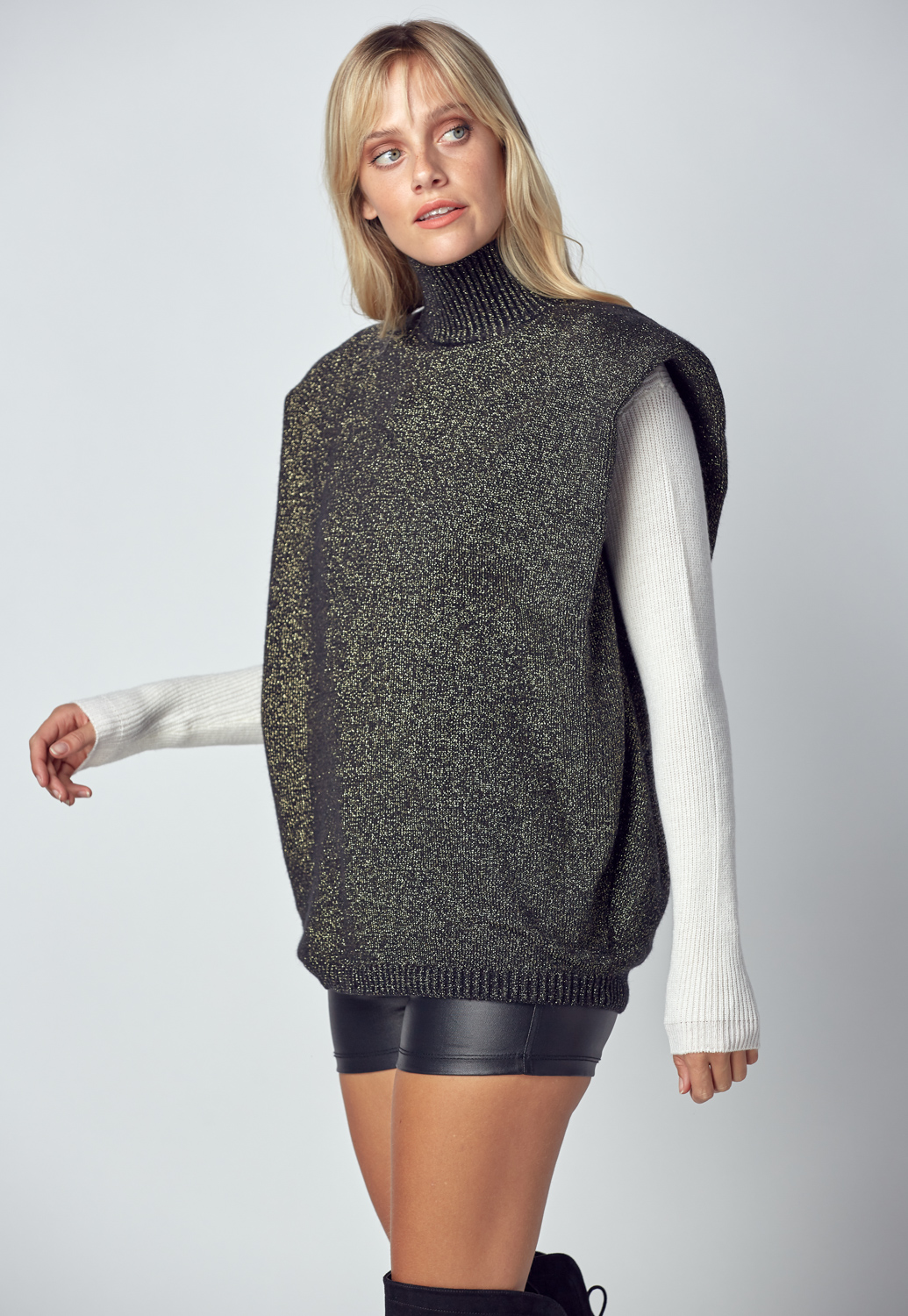 Shoulder Pad Knit Vest