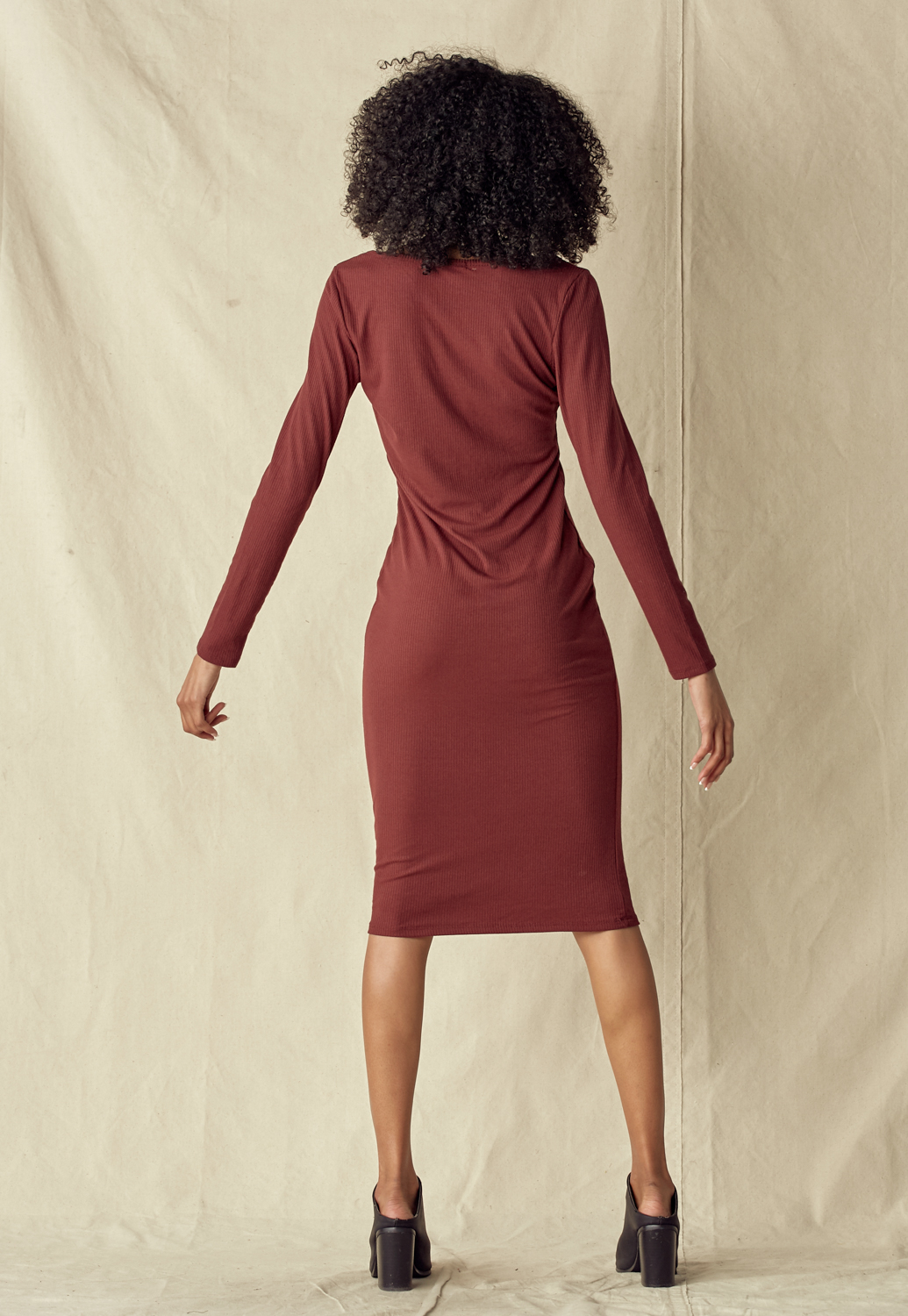 Long Sleeve V-Neck Rib Knit Midi Dress