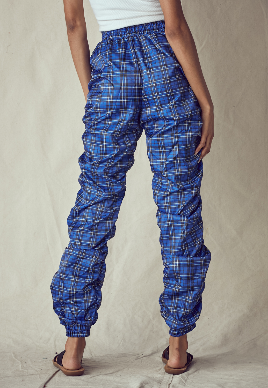 Ruched Side Solid Check Pants