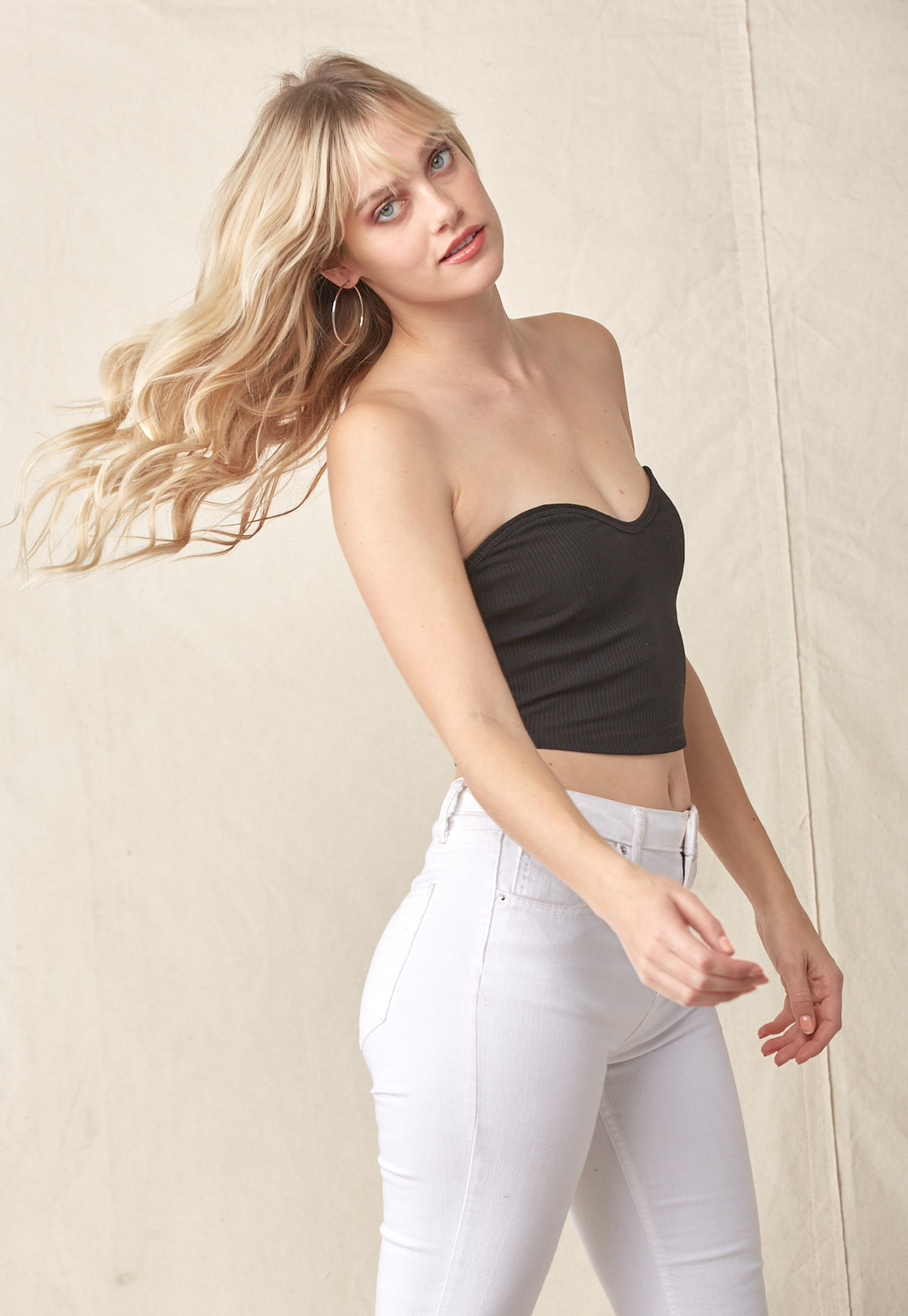 Ribbed Cropped Tube Top